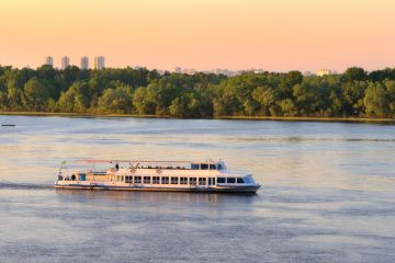 Kyiv Summer Attractions: the Dnipro Cruises