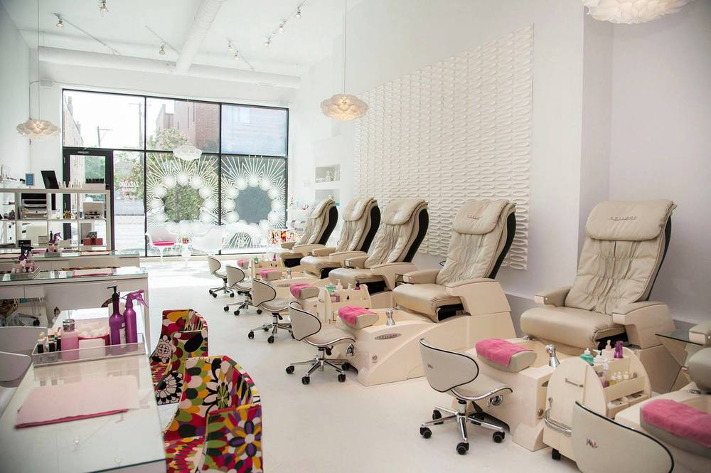 Fast and Beautiful: Salons with Speedy Service