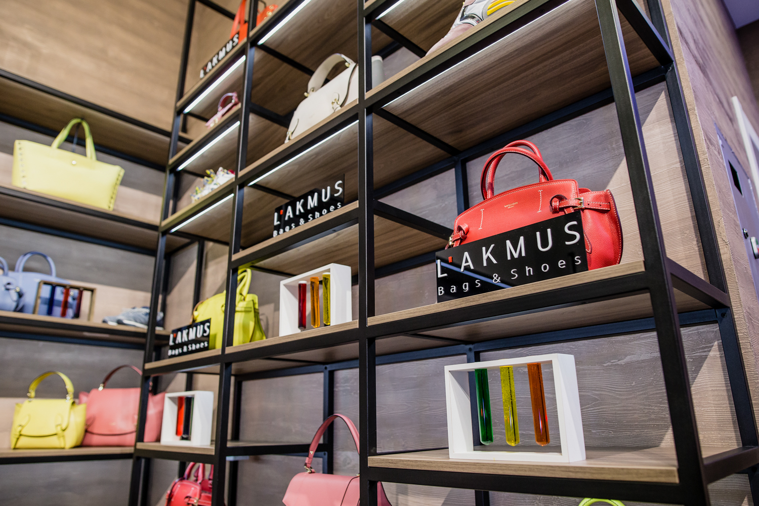 L'AKMUS Bags & Shoes Store Opening in Ocean Plaza