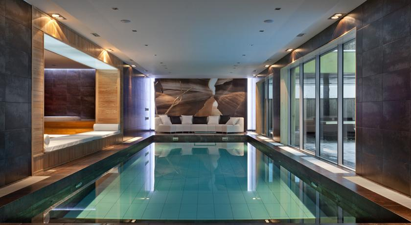 swimming pool in SPA