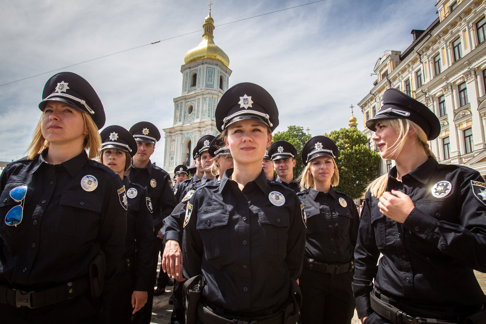 female police officers