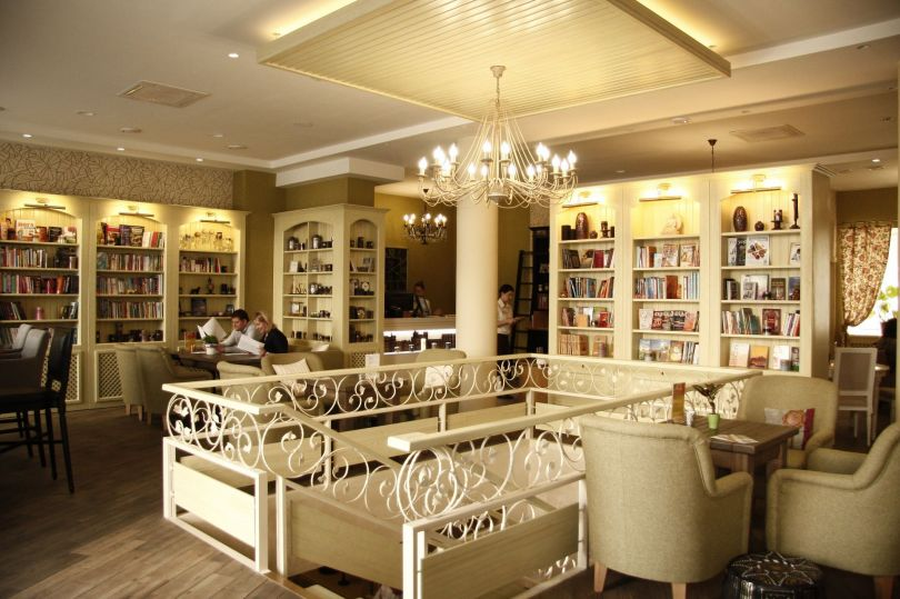Imbyr literature cafe in Kyiv