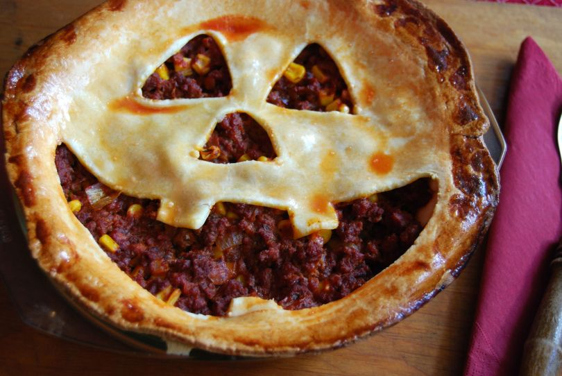 Jack-o-lantern Sloppy Joe Pie