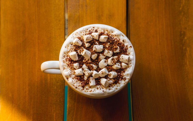 Kahlua hot chocolate with marshmallows