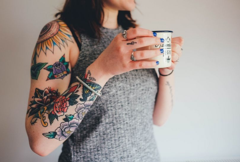 Inked girl with a cup of tea